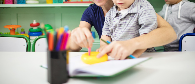 How To Become A Childcare Assistant Salary Qualifications Skills Reviews Seek