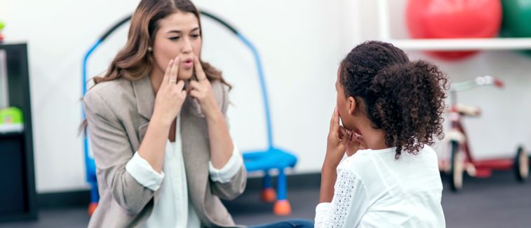 How to become a Speech Pathologist - Salary, Qualifications